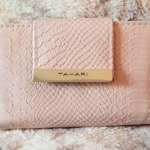 Tahari leather wallet